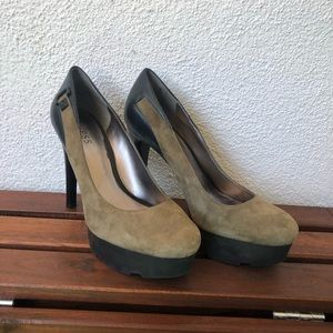 Guess Pumps Olive Green and Black